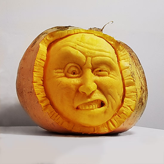haloween pumkin carving